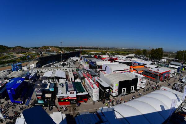Fahrerlager in Jerez
