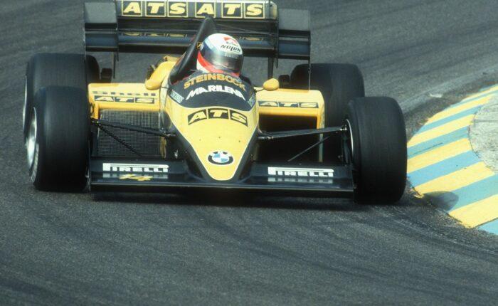 Früherer Formel 1 Rennwagen